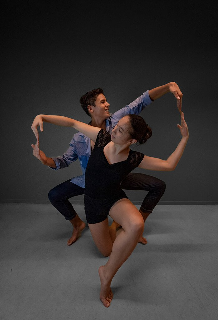lesrooster dance giving